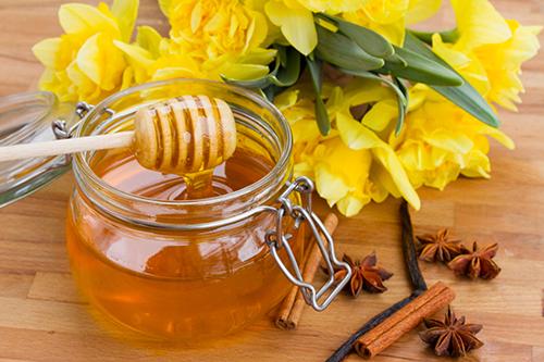 5 cách chữa bệnh viêm họng hạt bằng thần dược mật ong