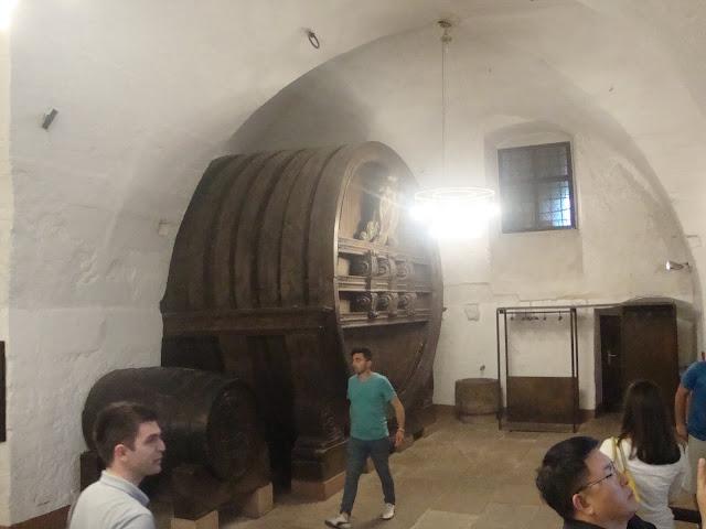 Heidelberg Kalesi, Dünyanın en büyük şarap fıçısı