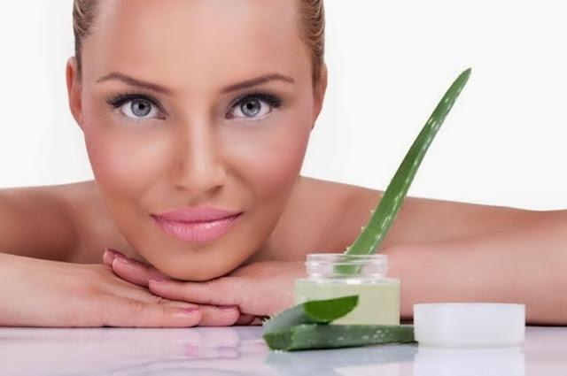 gel di aloe, proprietà cosmetiche del gel di aloe, gel di aloe idratante per la pelle