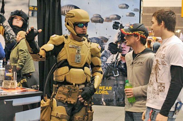 Seragam-Militer-Amerika-Mirip-Iron-Man