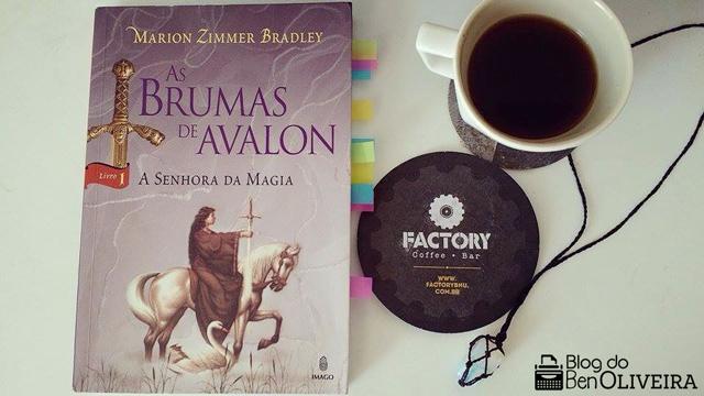 Livro Brumas Avalon Marion Zimmer Bradley