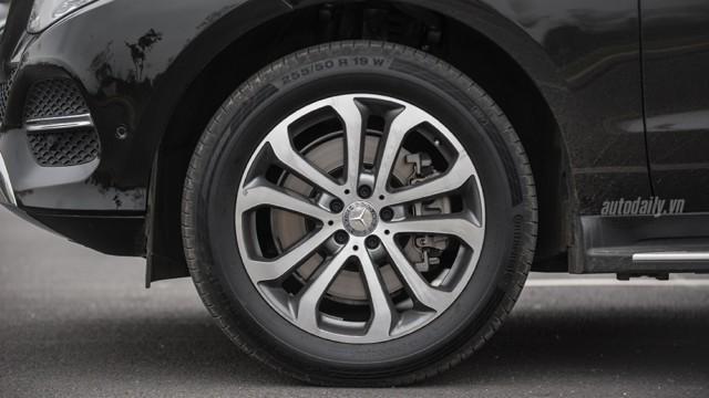 Đánh Giá Xe Mercedes Benz GLE400 Exclusive 4Matic 07