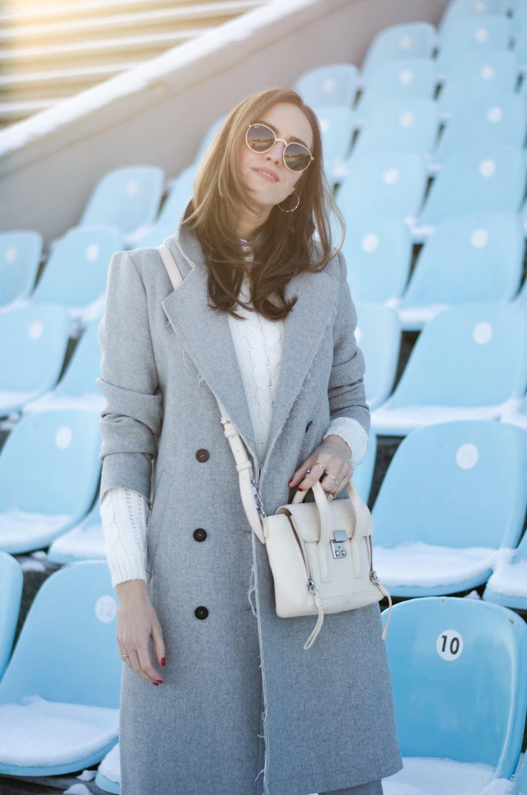 grey oversize coat minimalist outfit