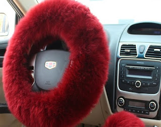 Fur cover on the steering wheel - Homies Hacks