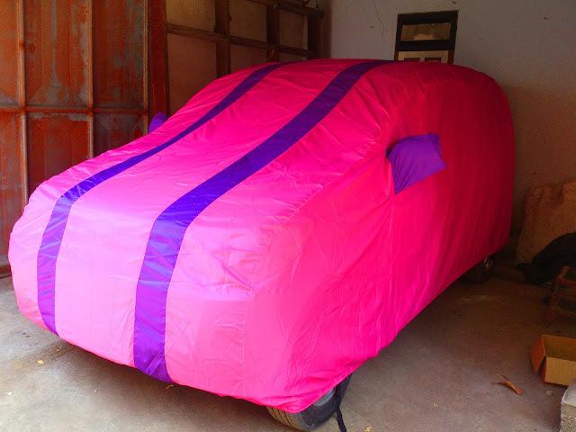 Jual Cover Mobil warna dasar pink kombinasi garis 2 ungu standart custom menggunakan bahan yang bagus waterproof import korea Sarung Mobil kualitas super kombinasi warna Selimut Mobil harga murah produk terbaik penutup mobil dan pelindung mobil anda dari debu, panas matahari, tahan air dan panas