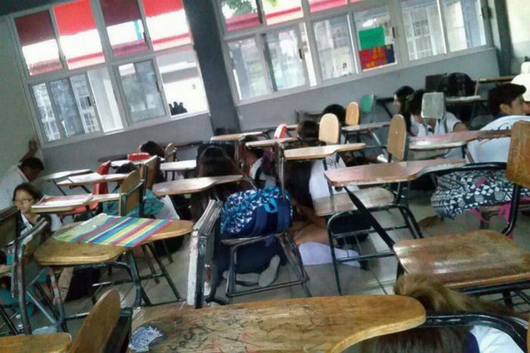 Balacera en Zihuatanejo deja un muerto y terror en plantel escolar