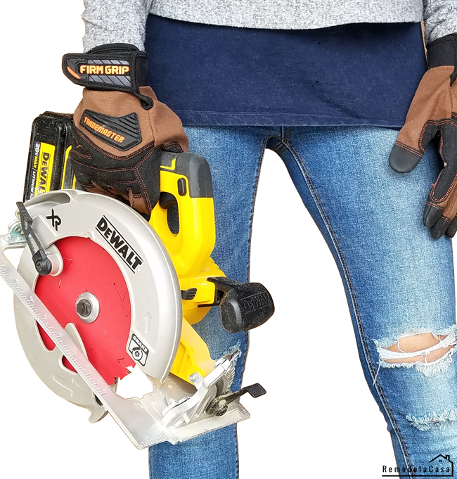 Cristina Garay with #dewalt circular saw #firmgrip gloves and #diablotools blade