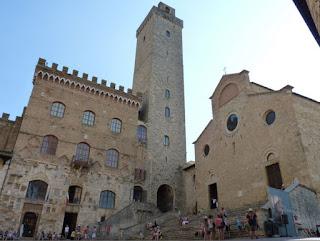 Piazza del Duomo, Duomo de San Gimignano o La Collegiata.