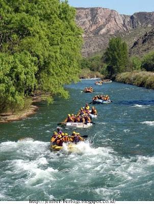 perjalanan menantang kesambon rafting