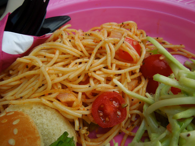 easy spaghetti salad, perfect side dish for summer