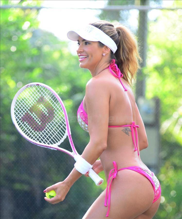 Taylor Momsen: Jennifer Nicole Lee In A Bikini, Playing Tennis In Miami