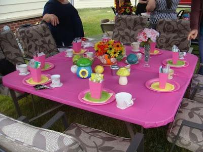 décoration florale pour table de bapteme
