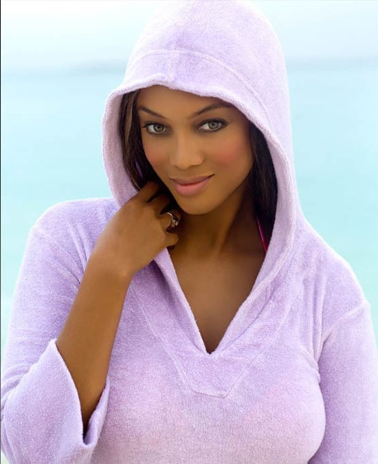 Tyra Banks Runway: Hot Bikini Fashion Show Photos: TYRA BANKS Hot American Model