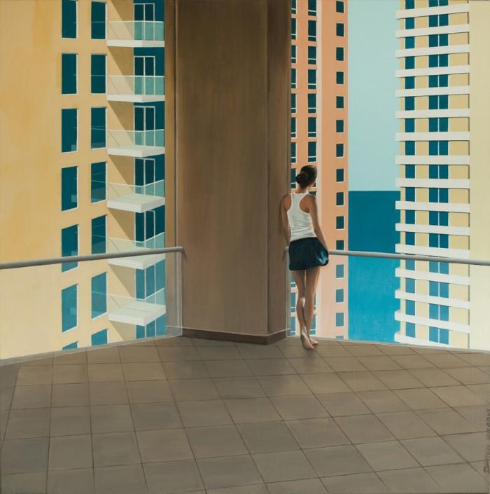 Архитектура, небо, море и одинокие люди
