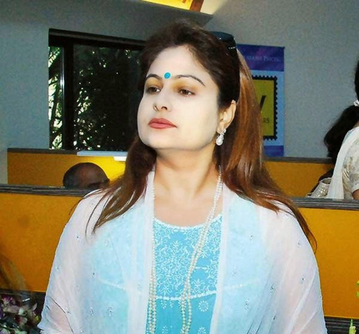 Nude Ayesha Jhulka 12 Pictures Boobs, Youtube-5999