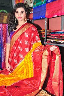 Priyanka Ramana Inaugurates Pochampally IKAT Art Mela  0011.jpg