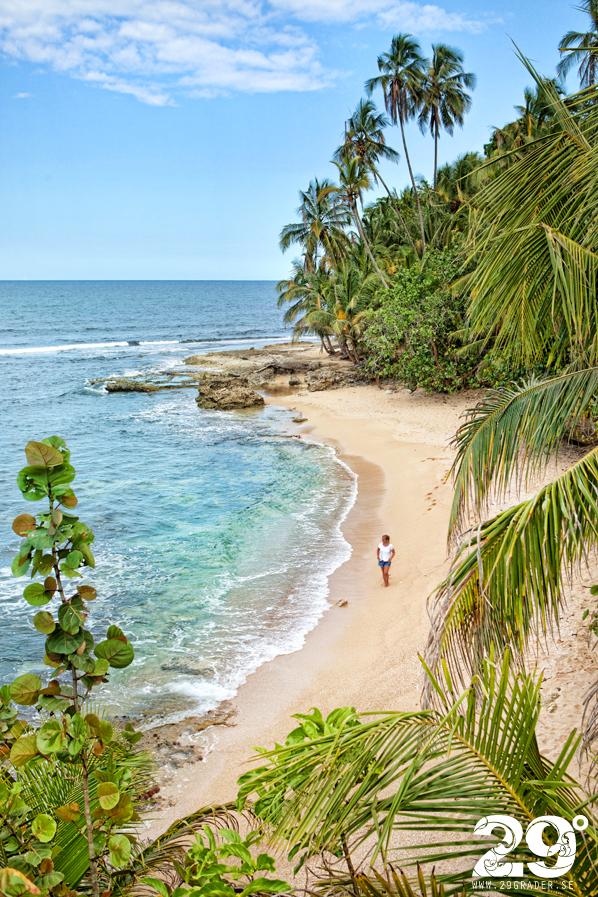 Promenad till egen liten strand