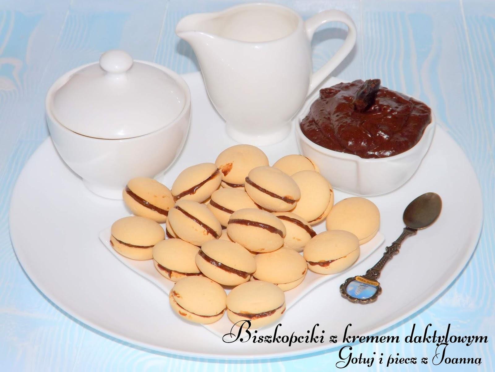 Biszkopciki bez cukrowe z wegańskim kremem daktylowym również bez cukru