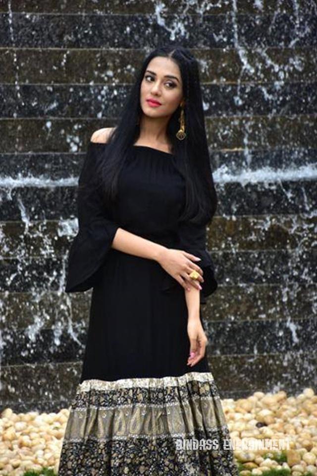 Amrita Rao 6