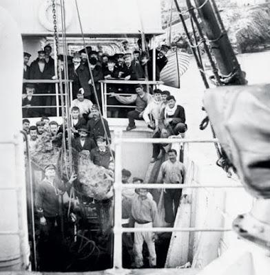 Οι θρυλικοί σφουγγαράδες που έφεραν στο φως το ναυάγιο των Αντικυθήρων