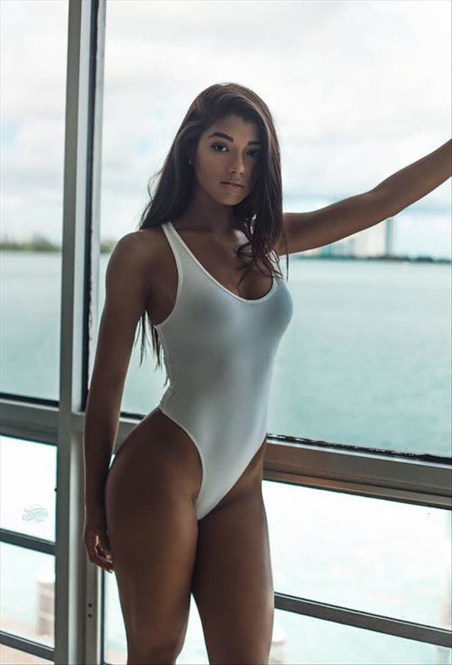 The hot pictures of Fitness Model Yovanna Ventura