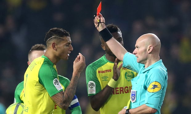 French referee loses temper, kicks player before sending him off