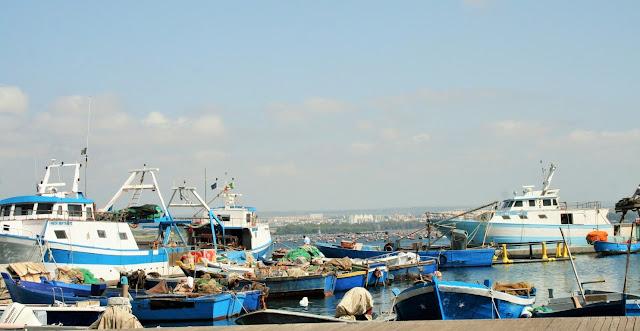Mar Piccolo, barche, mare, pescherecci, Taranto