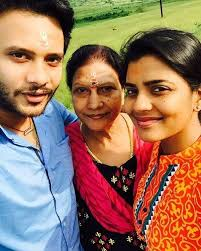 Aishwarya Rajesh Family Husband Son Daughter Father Mother Age Height Biography Profile Wedding Photos