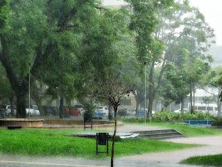 Chuva na Praça Dom Sebastião, Porto Alegre