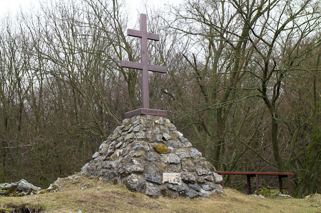 Vrcholový kríž - skala