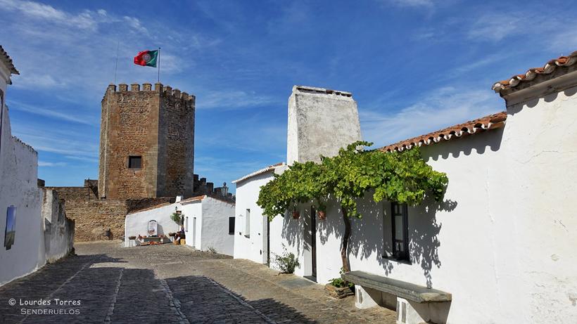 Monsaraz La Villa Medieval Con Las Mejores Vistas Del