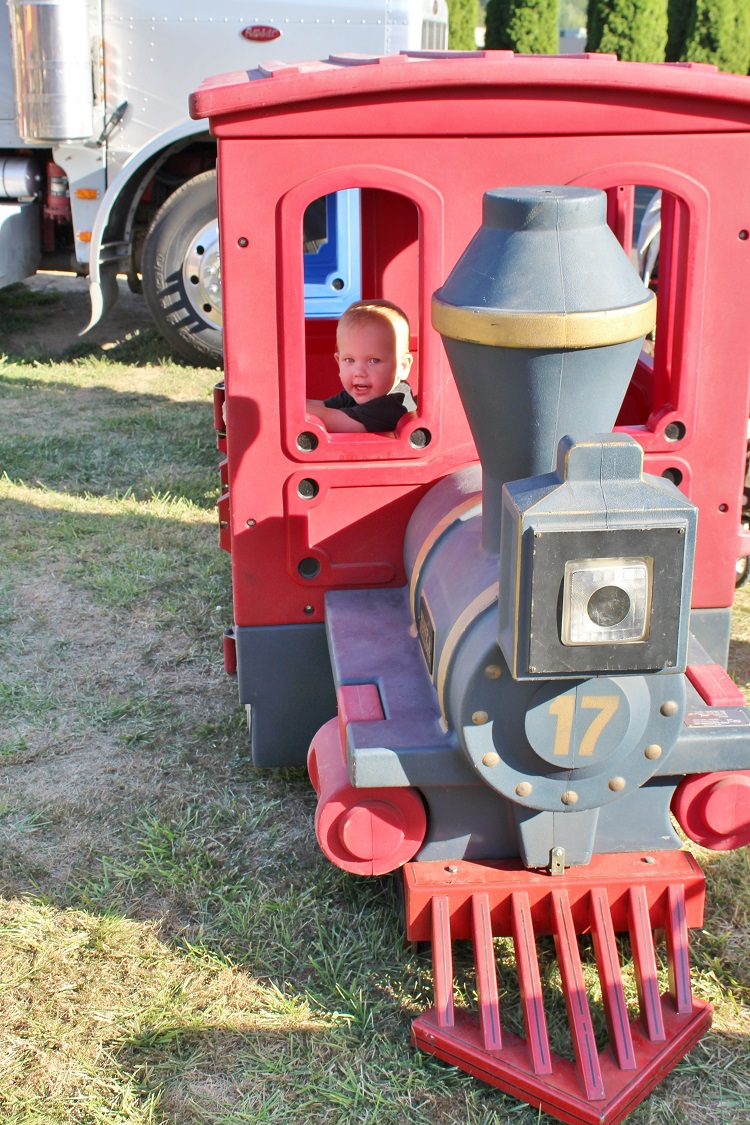 Want a crazy fun family activity?  Check out a county fair near you!  Click through to see our time at the Southwest Washington Fair!