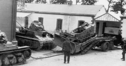 Renault FT Light french tank with dozer blade - under construction