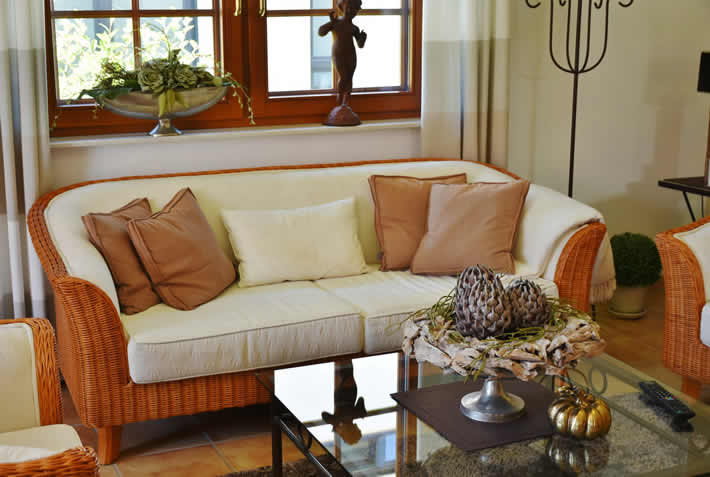 Modern interior design themes