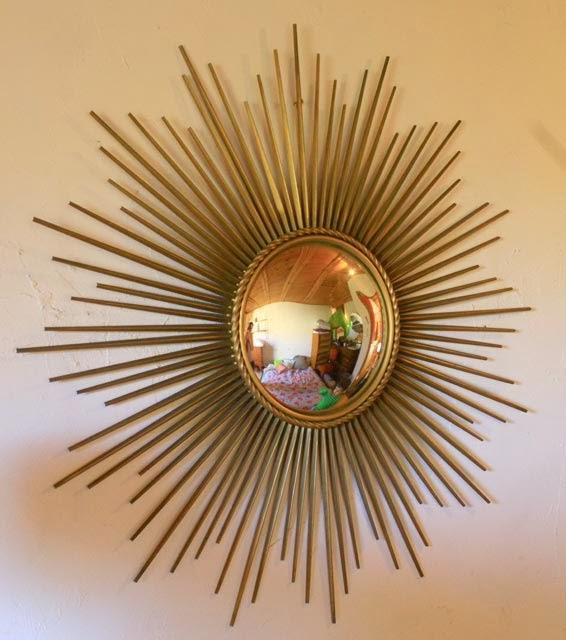 chicbaazar objets vintage 50 60 70 superbe miroir soleil convexe chaty vallauris 83 cm. Black Bedroom Furniture Sets. Home Design Ideas