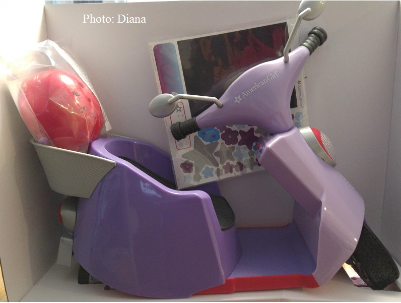 "AMERICAN GIRL /""TRULY ME/"" PURPLE SCOOTER AND HELMET"