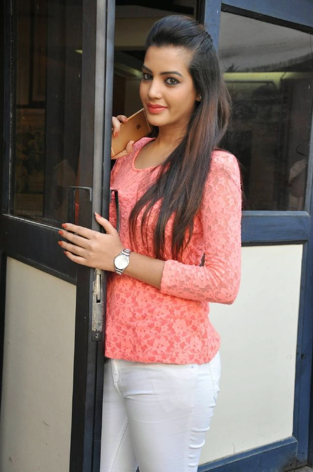 Diksha Panth Long Hair Stills In Pink Top Jeans