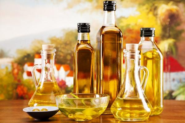 فوائد واستعمالات بعض الزيوت الطبيعية