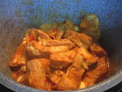 Costillas asadas en salsa de ajos olla GM