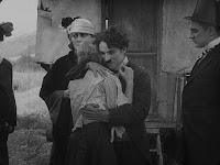"""Кадр из фильма Чарли Чаплина """"Скиталец"""" (1916) - 17"""