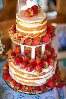 stunning-strawberry-shortcake-wedding-cake