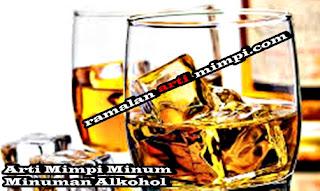 Arti Mimpi Minum Minuman Alkohol