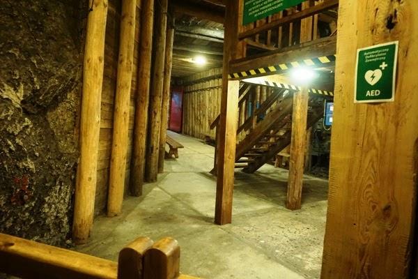 Wieliczka - korytarze wzmocnione drewnem