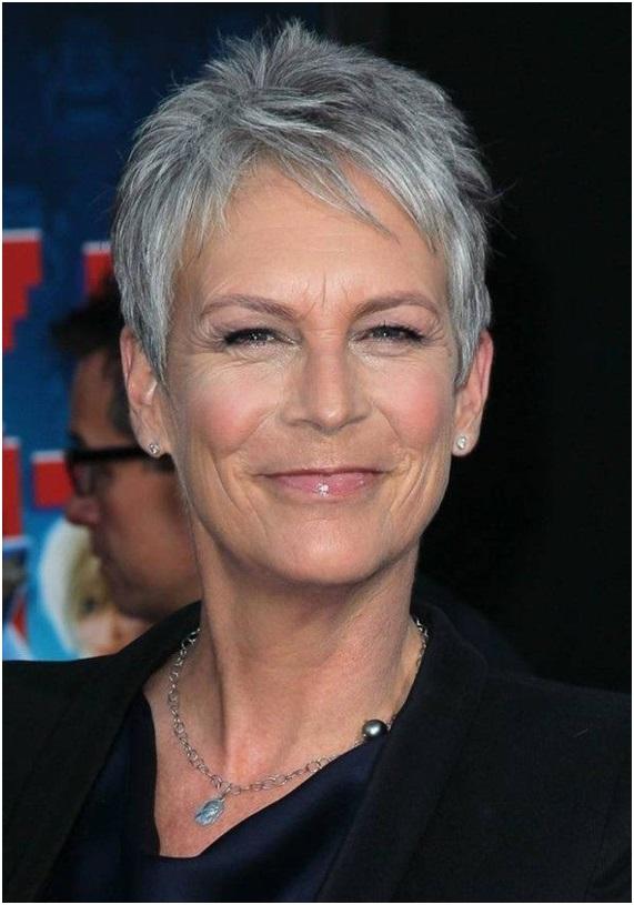 Coupe de cheveux femme sur cheveux gris