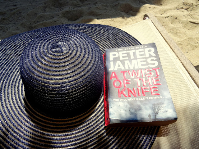 Peter James - A Twist of the Knife