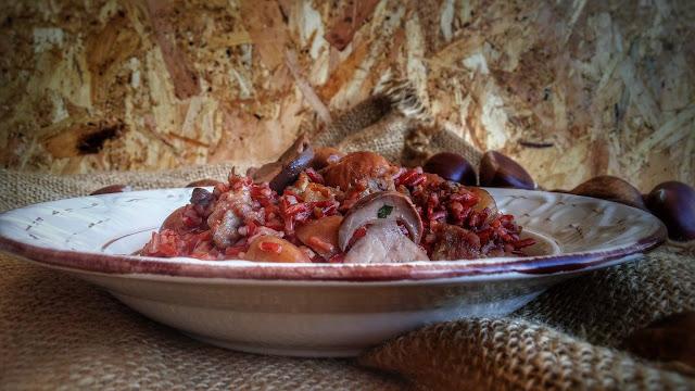 riso rosso con castagne, salsiccia e porcini