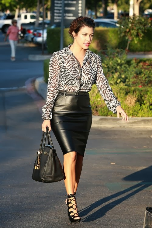 4636883b9bb486 Daily Celebrity Style: Kourtney Kardashian Wearing Black And White ...