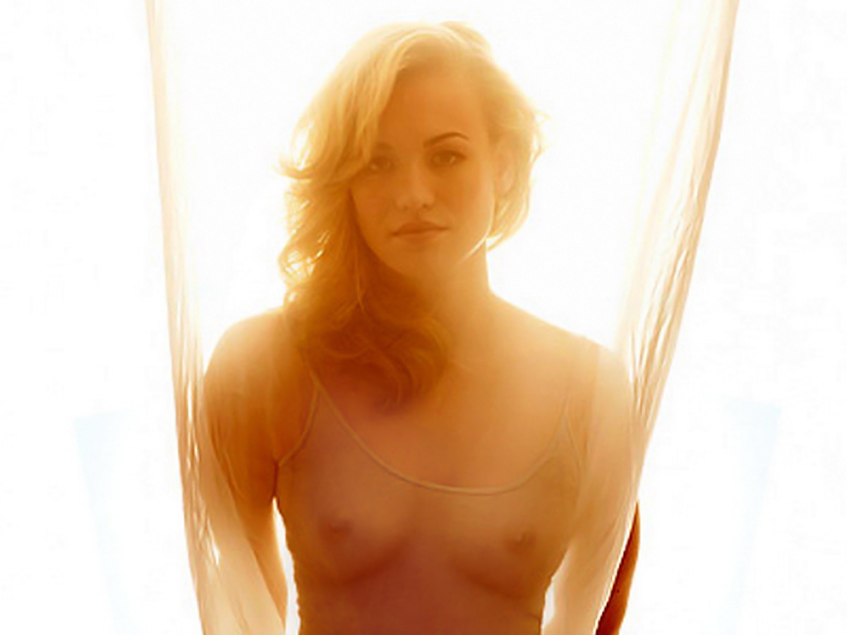 Yvonne strahovski hot in manhattan night scandalplanetcom