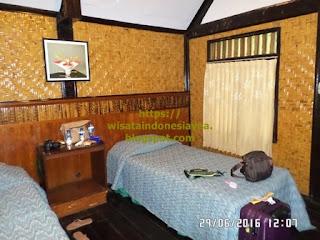 dekorasi-kamar-Kencana-Beach-Cottage-di-Sumbawa.jpg