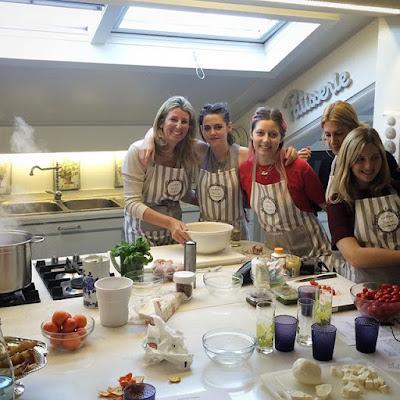 robert & kristen: nouvelle photo de kristen prenant un cours de ... - Cours De Cuisine Rome